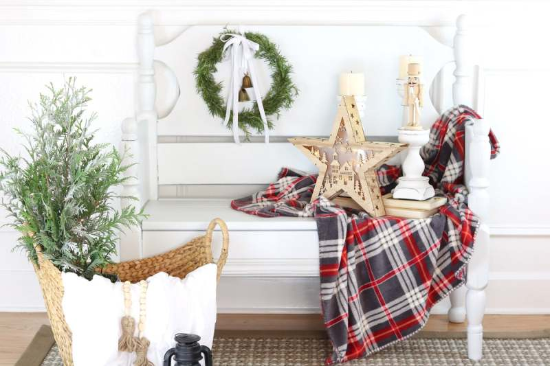 How to decorate your home's entryway for the Holidays