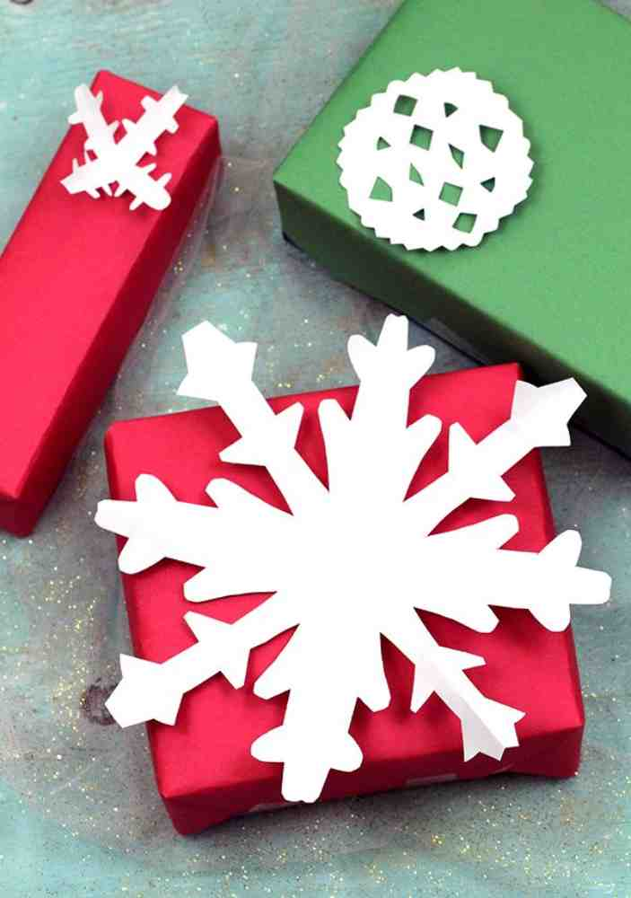 Snowflake cutout Christmas Gift Tag or Decoration