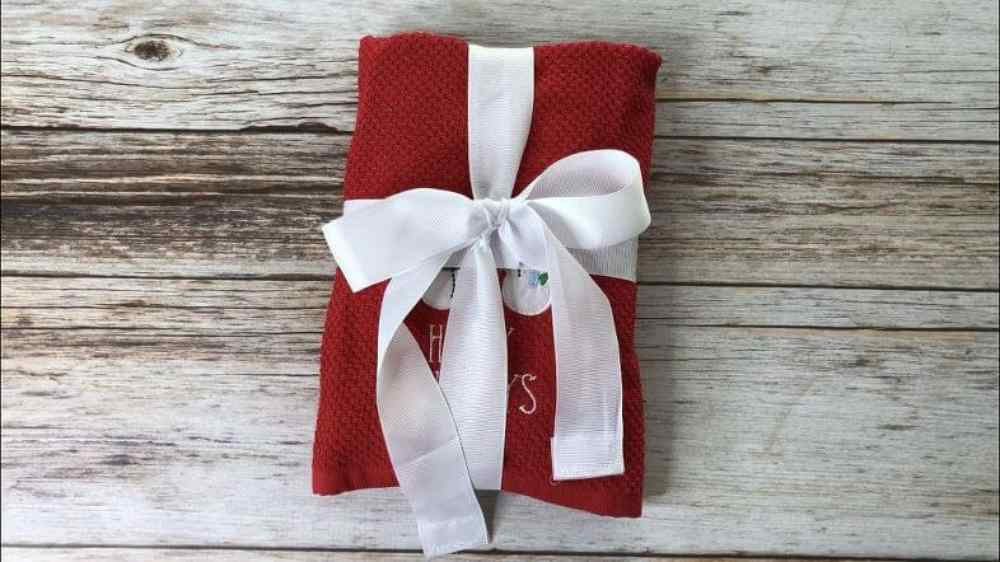 Environmentally friendly ideas for wrapping presents