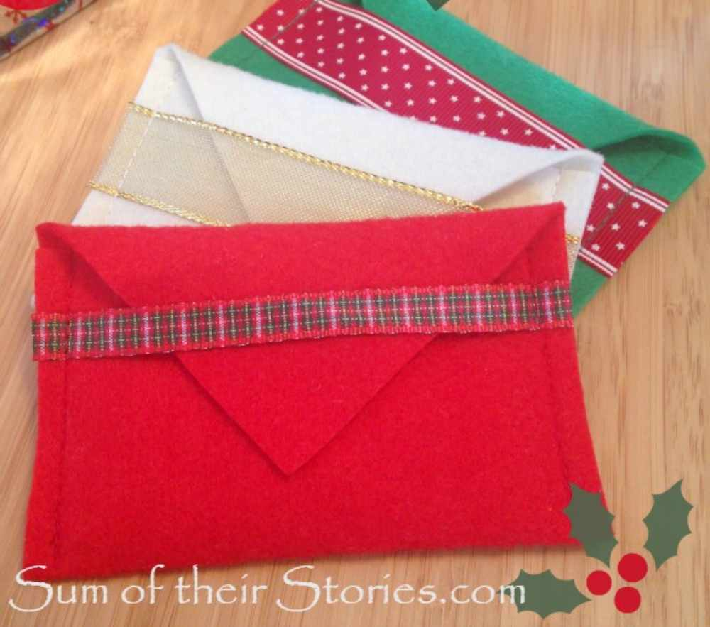 Gift card holder made with felt and ribbon