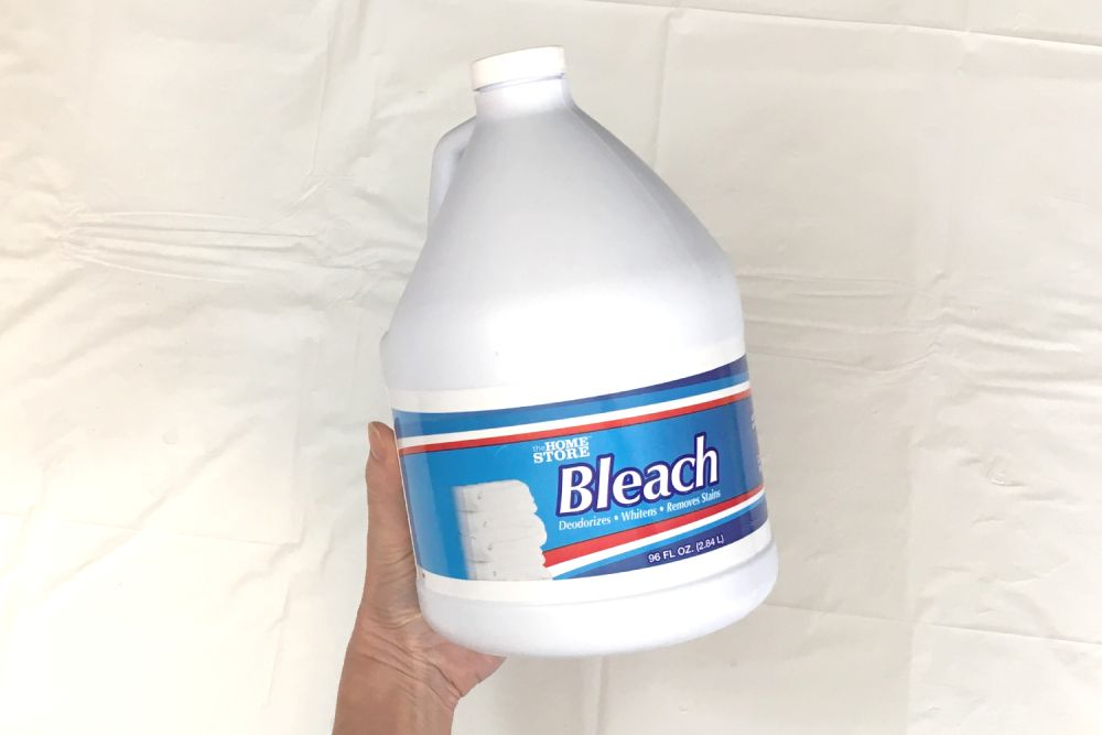 Chlorine bleach for reverse dyeing