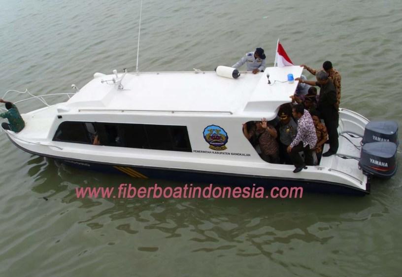 Kapal fiber penumpang