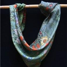 Carré de soie Klimt jardin tournesols