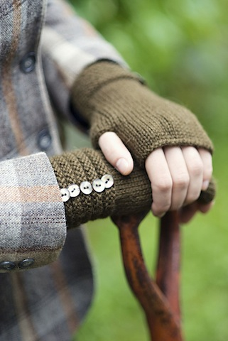Welted Fingerless Gloves by Churchmouse Yarns and Teas