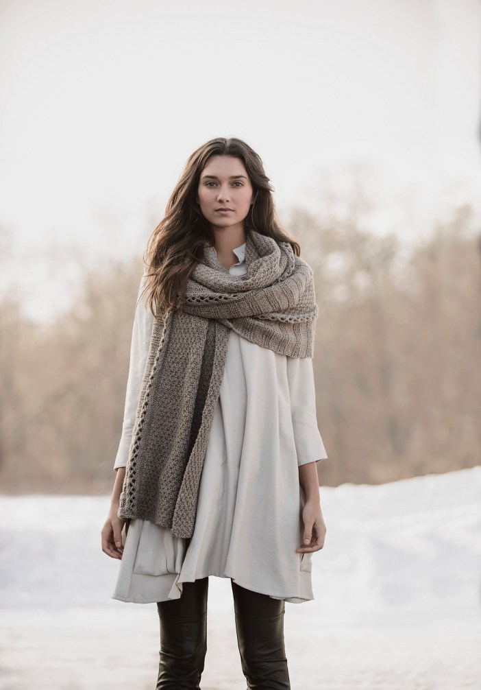 Endless Wrap by Sylvia Hager. (© blue sky fibers)