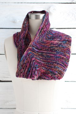 Esquina Cowl, © Fairmount Fibers, Ltd.