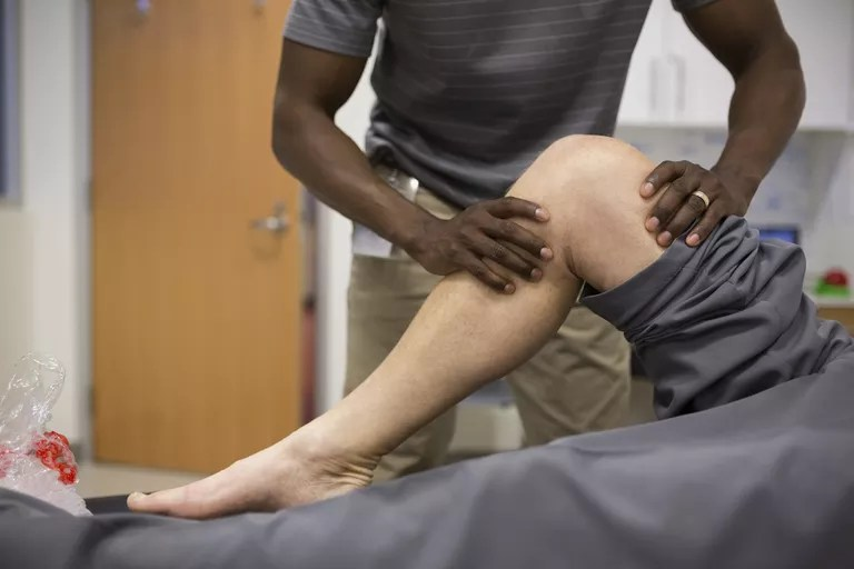 Leg Pains With Fibromyalgia: Possible Causes