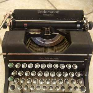 Portable Underwood Manual 1938 Typewriter Antique