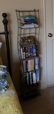 Now, cleaned up...except for a few books I'd like to read soon.