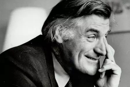 hawk's monologue by Ted Hughes Poem Translation Explanation Summary Review