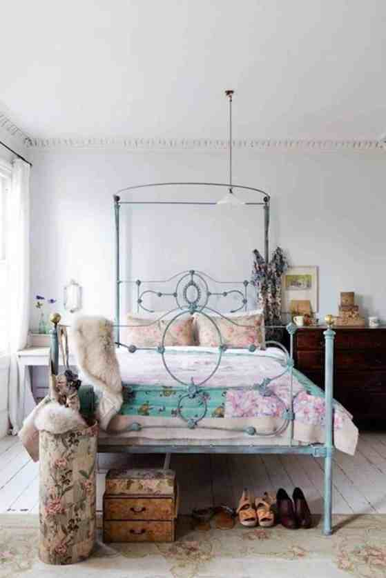 Bedroom eclectic decor