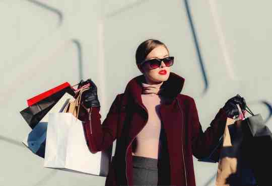 How do fashion bloggers afford their clothes spending?