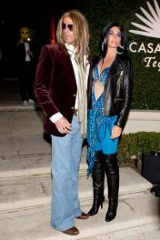 indy Crawford and Rande Gerber as Cher and Greg Allman