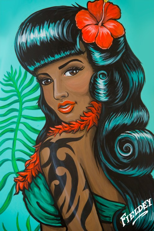 Retro Hawaiian pin-up girl