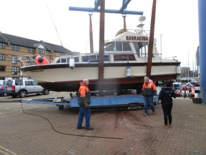 Freeman 33 Sedan at South Dock Marina, London. Pre-purchase survey