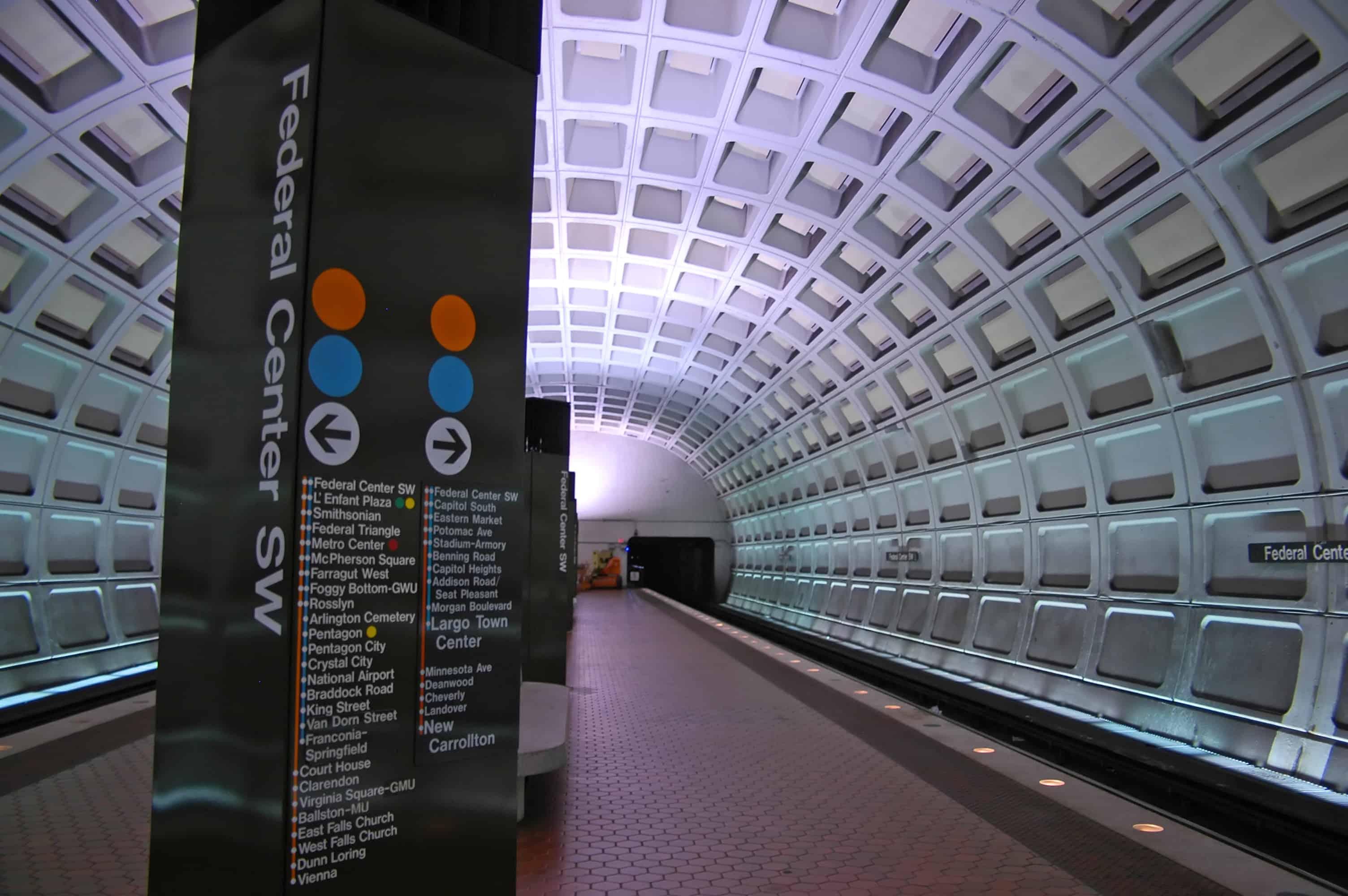 Metro - Depositphotos_1346467_original