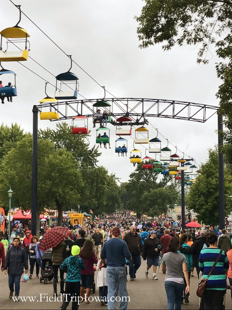 Crowds even in the rain at Minnesota State Fair