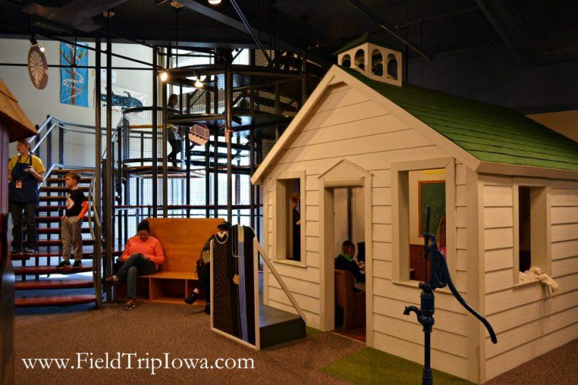 Inside Phelps Youth Pavilion in Waterloo Iowa