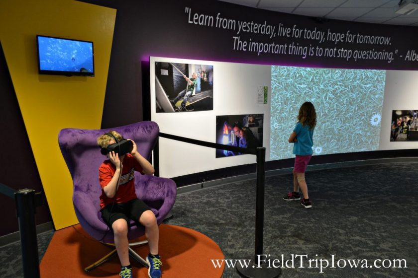 Boy tries verutal reality headset at Putnam Museum in Quad Cities.