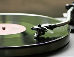vinyl-record-playing-164853-2