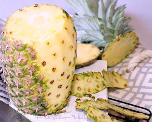 how to peel a pineapple | fiestafriday.net
