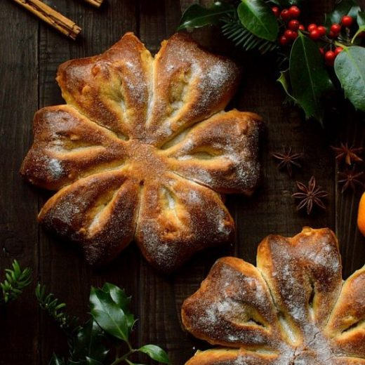 Orange-and-star-anise-Christmas-snowflake-bread-Gibassier-Domestic-Gothess
