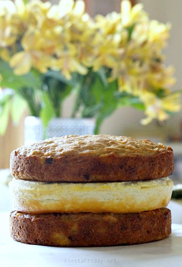 layering the cake   fiestafriday.net