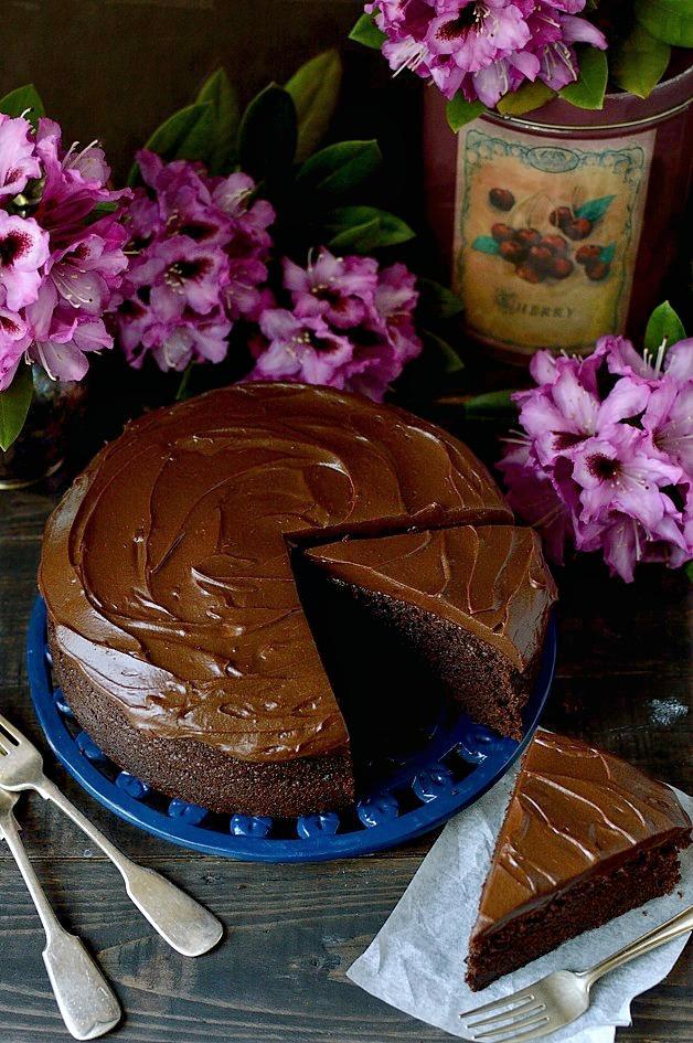 Chocolate-stout-cake-with-stout-ganache