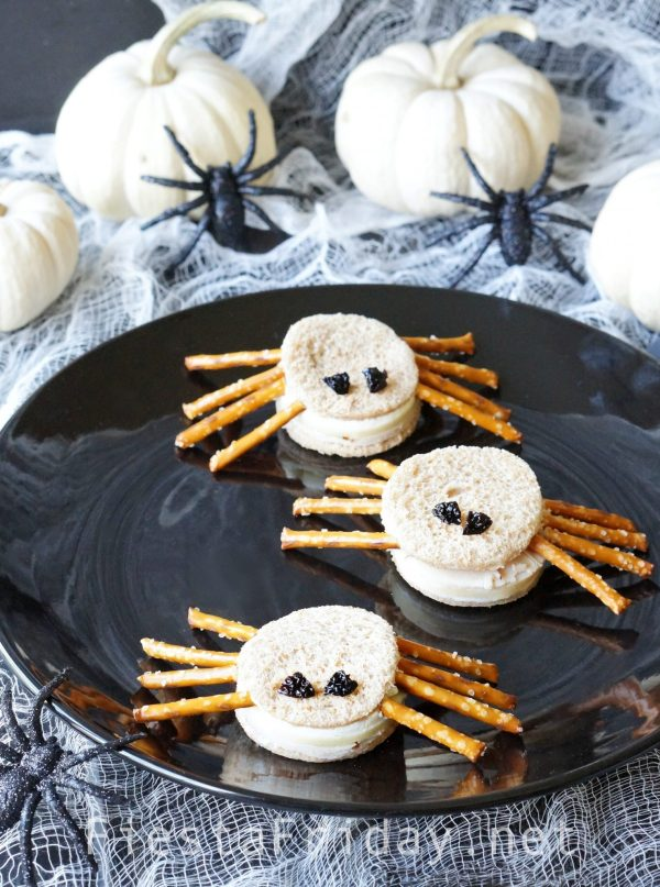 halloween-spider-sandwiches