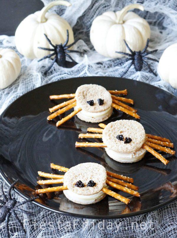 halloween-spider-sandwiches