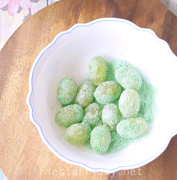 making-sour-patch-grapes