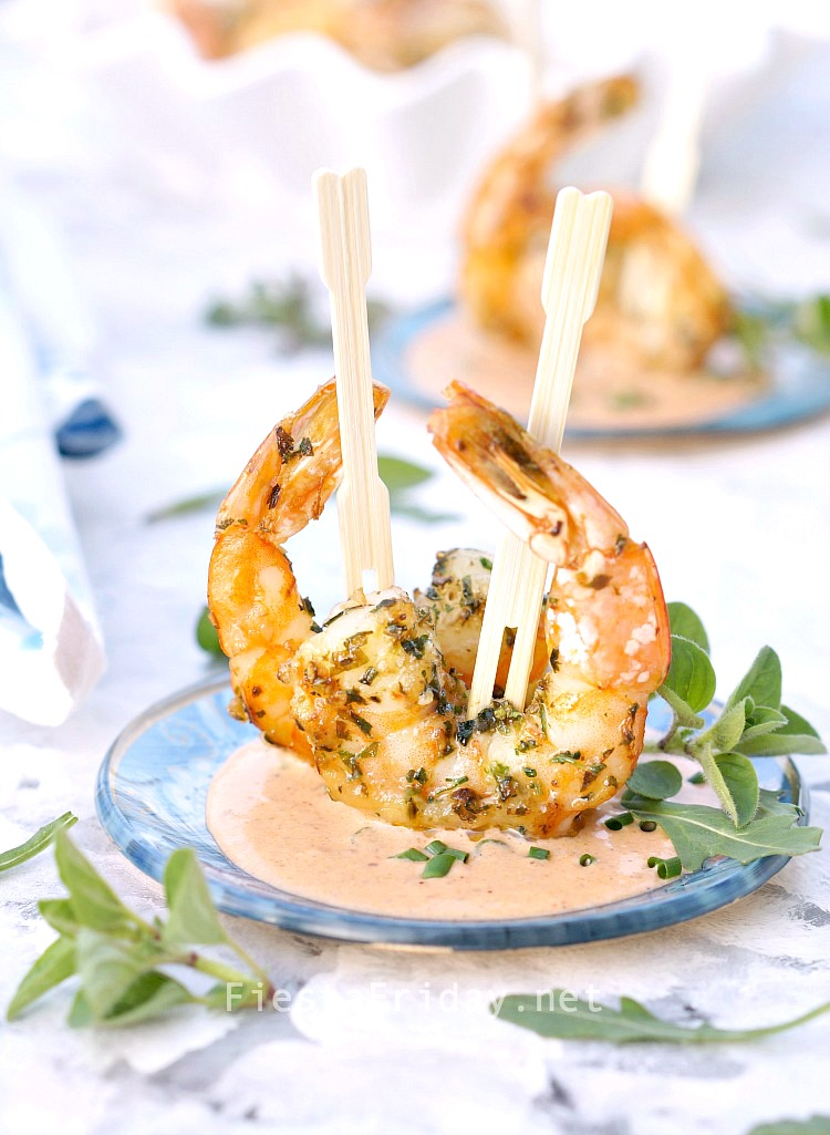 Camarones Chipotle Crema (Chipotle Cream Shrimp) | FiestaFriday.net | Easy and elegant appetizer for Cinco de Mayo! #camarones #shrimp #Cincodemayo