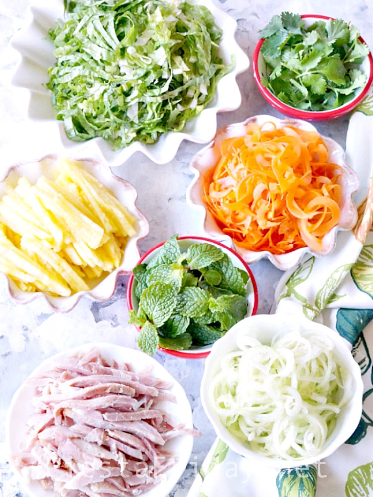 Let's make Summer Rolls! Cutting your vegetables and meat into julienne strips or have them spiralized will help make rolling easier | FiestaFriday.net