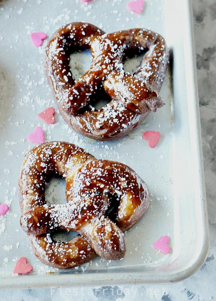 Valentine's Day Soft Pretzels #pretzel #softpretzel #homemade #valentinesday #bread #snack