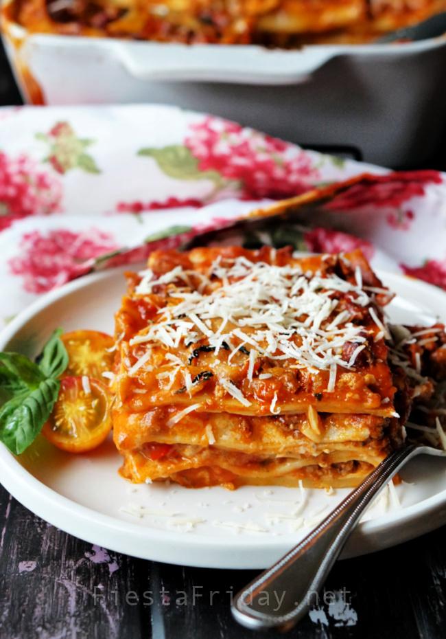 Lasagna | FiestaFriday.net