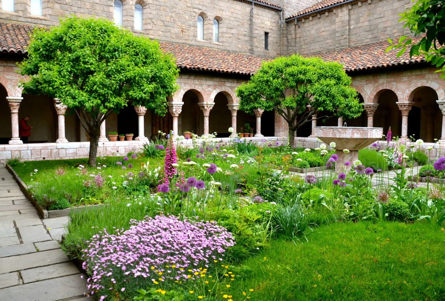 Off the Beaten Path: NYC's The Cloisters + Fort Tryon Park
