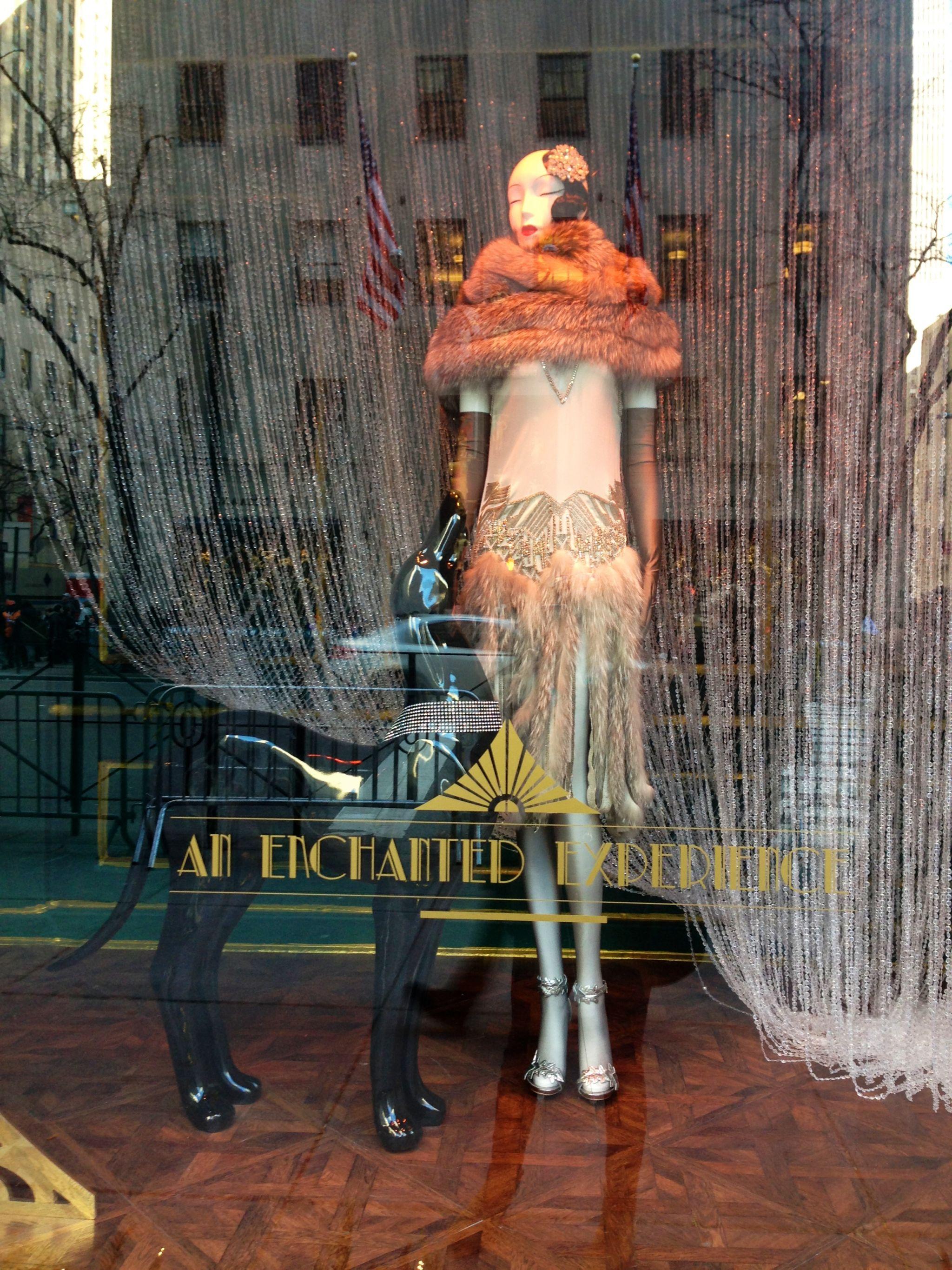 holiday-window-new-york-img_4803