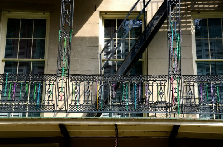 beads-balcony-new-orleans-