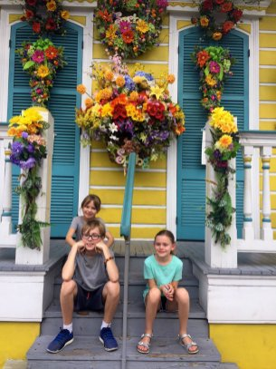 cousins-yellow-house-new-orleans-