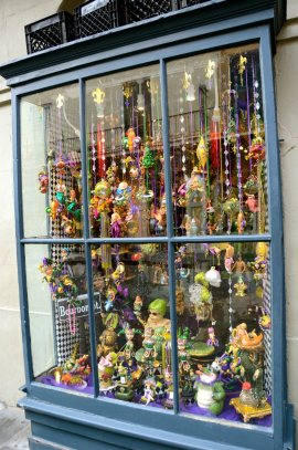 new-orleans-window-display-