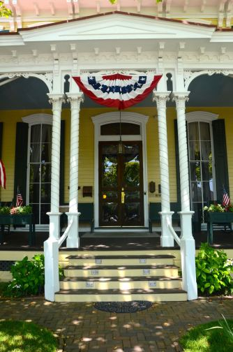Cape-May-NJ-house-entrance-