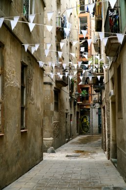 Barcelona-alley-
