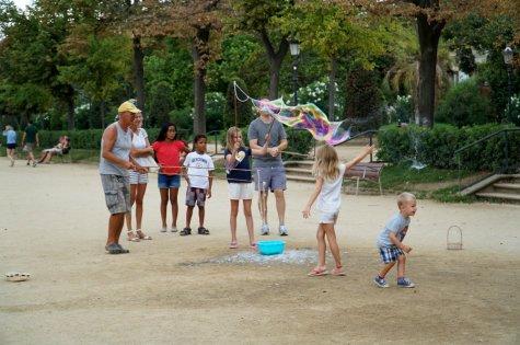 park-barcelona-bubbles