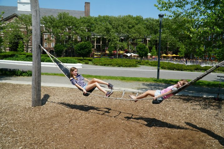 Governors-Island-swinging-hammocks