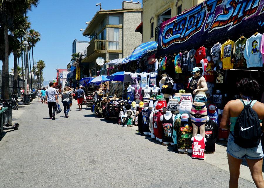 Venice Beach with kids, walk along the Venice Boardwalk