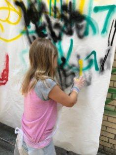 Brooklyn-Unplugged-street-art-making