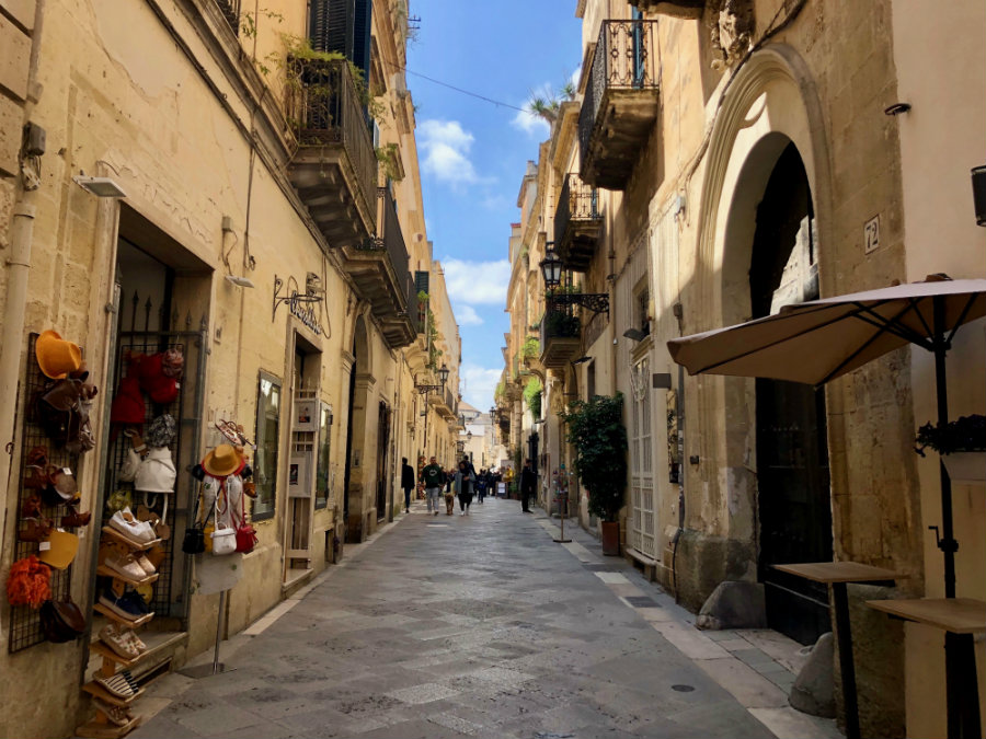 Exploring the city of Lecce in Puglia, Italy