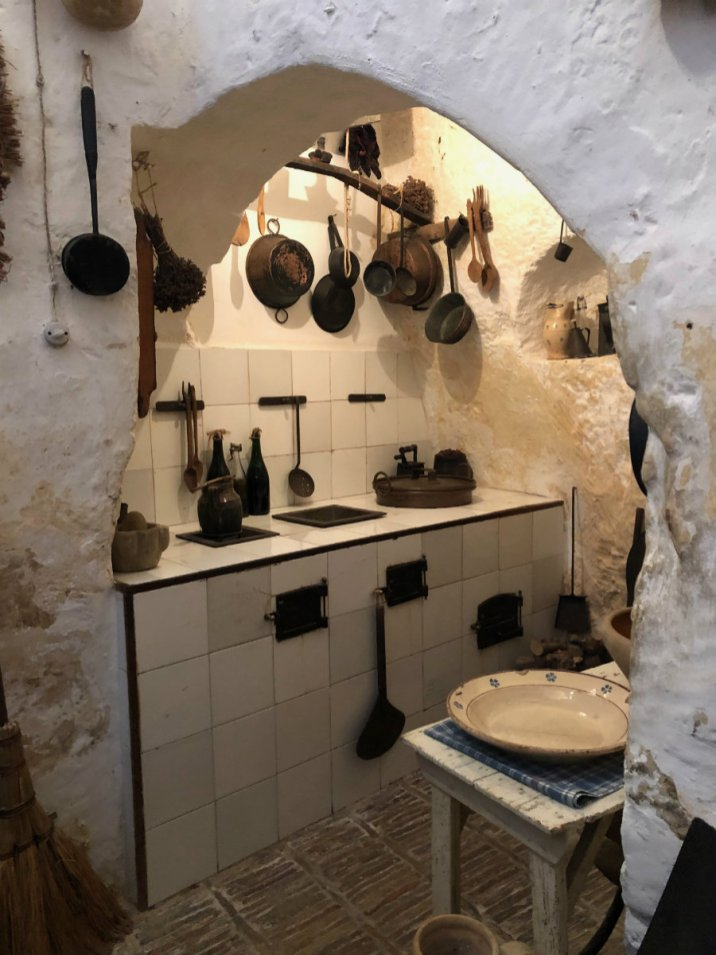 A visit to the Casa Grotta in Matera Italy