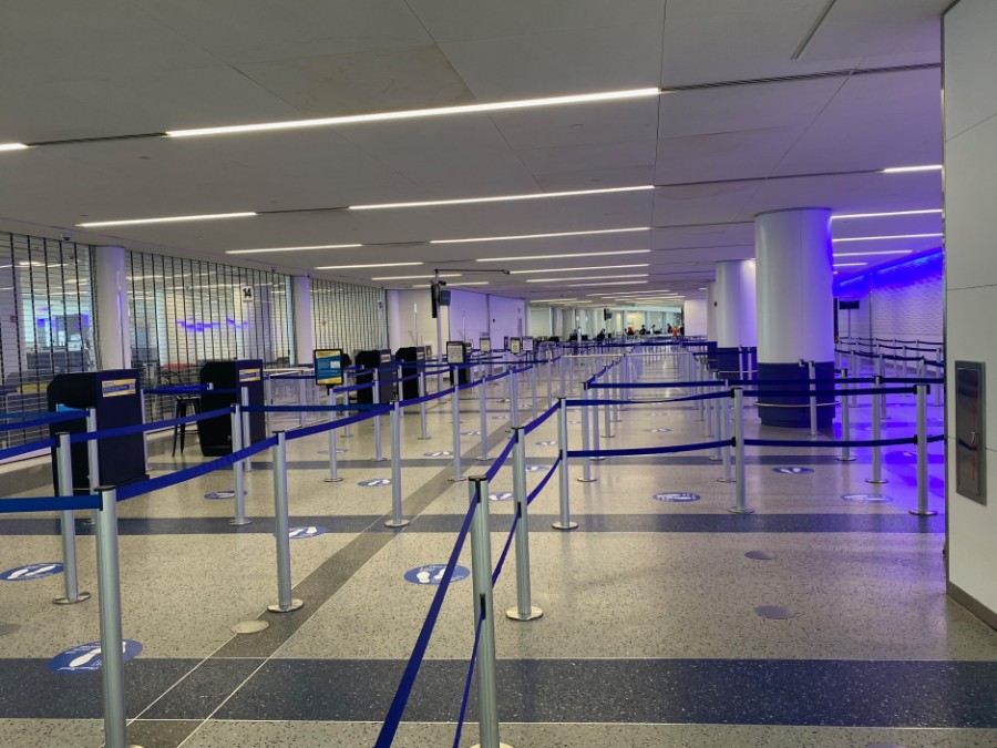 Empty security line at Newark airport during corona