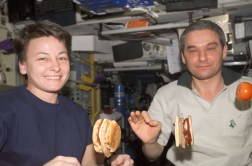 AstronautsEatingBurgers